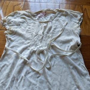 Girl's blouse with back tie